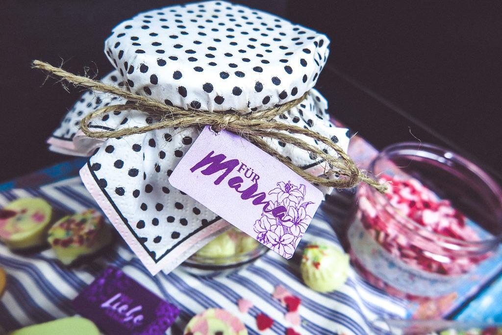 Geschenke aus der Küche zum Muttertag: Praline selber machen